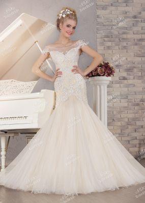 Свадебное платье с аппликацией KP0093
