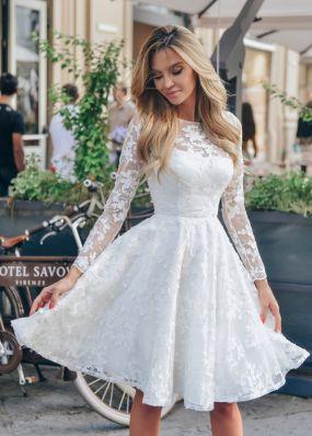 Короткое белое платье из кружева с юбкой солнце-клеш и длинным рукавом NN047