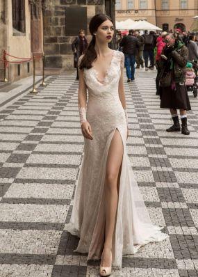 Свадебное платье с разрезом SOL024