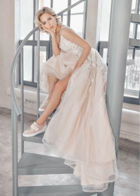 Свадебное платье с кружевом ZTB018