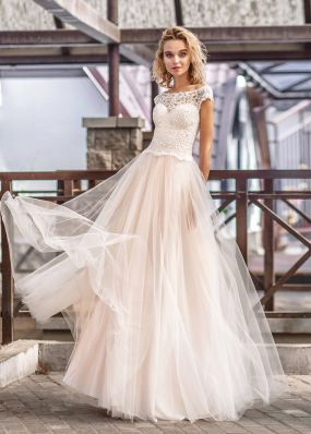 Свадебное платье с корсетом из кружева ZVT004