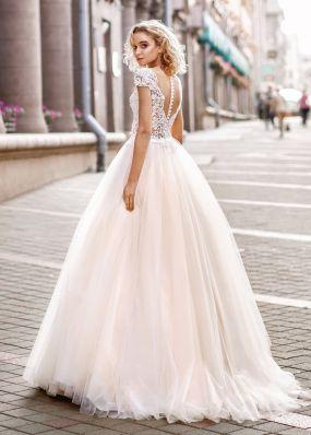 Пышное свадебное платье с кружевом ZVT006