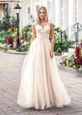 Свадебное платье с кружевом с шелковой нитью ZVT031