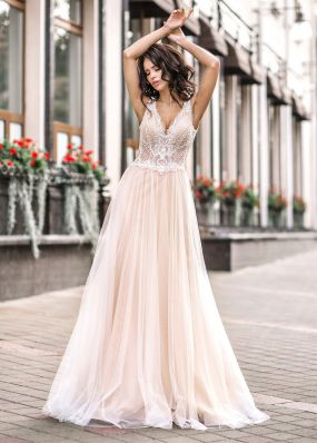 Свадебное платье с оригинальной спиной ZVT042