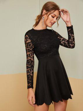 Кружевное расклешенное платье с фестончатым краем