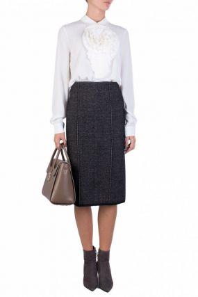 Серая юбка-карандаш с вязаной окантовкой
