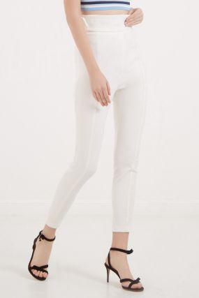 Белые облегающие брюки