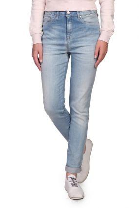 Голубые джинсы с потертым эффектом