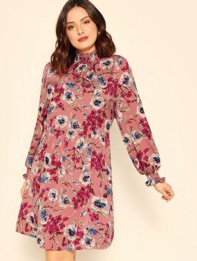 Размера плюс плиссированое платье со стоячим воротником и цветочным принтом