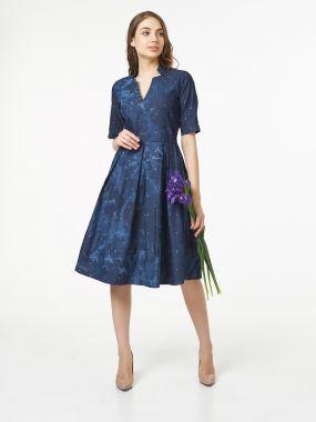 Джинсовое платье миди с широкой юбкой