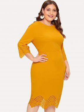 Размера плюс платье с ажурными вставками