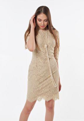 Коктейльное платье футляр из кружева