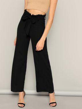 Широкие брюки с поясом и плиссированной талией