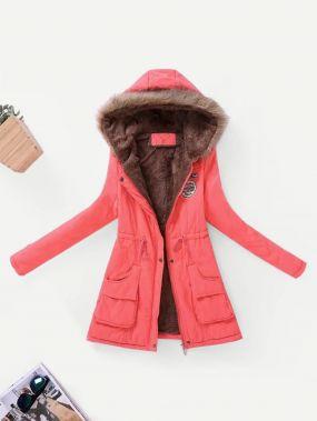 Контрастный подкладкой пальто из искусственного меха