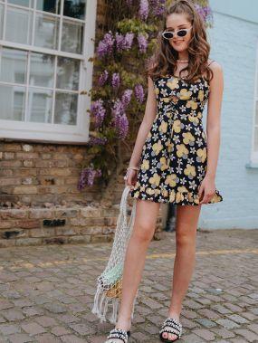 Платье с оборкой, кулиской и цветочным принтом