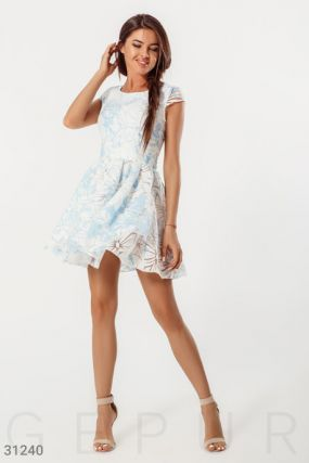 Воздушное короткое платье