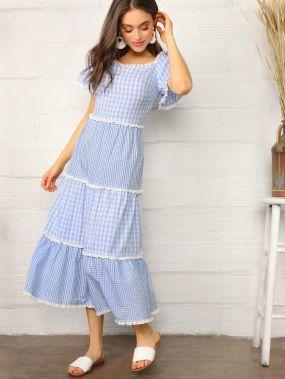 Платье в клетку с кружевной отделкой