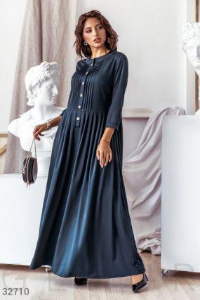 Сдержанное платье-макси