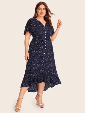 Платье в горошек размера плюс с поясом