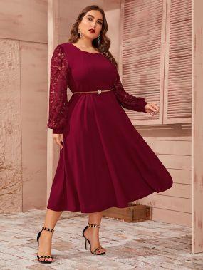 Расклешенное платье размера плюс с кружевным рукавом без пояса
