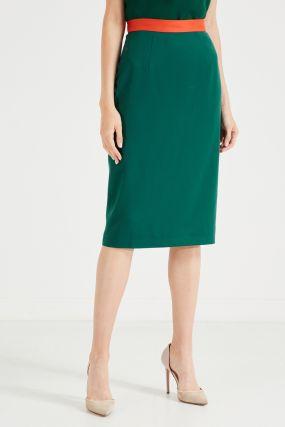 Зеленая юбка с контрастным поясом