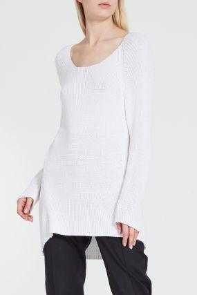 Белый джемпер крупной вязки
