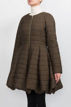 Расклешенное стеганое пальто