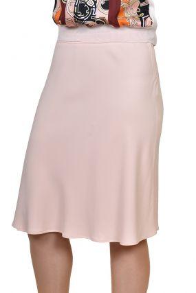 Бледно-розовая юбка на поясе