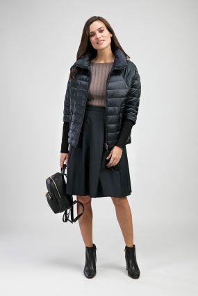 Куртка для миниатюрных девушек на весну с горизонтальной прострочкой