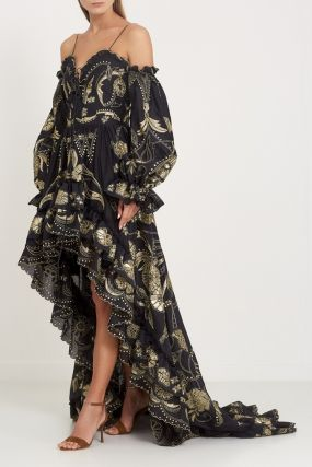 Платье с золотистыми узорами