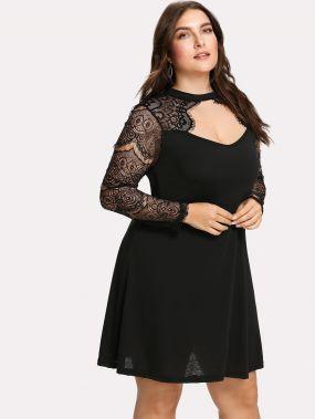 Платье с прозрачными кружевными вставками
