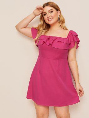 Платье с оборками размера плюс
