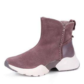 Темно-розовые ботинки из велюра на утолщенной подошве