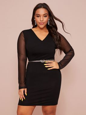 Платье размера плюс с двойным v-образным вырезом и прозрачным рукавом без пояса