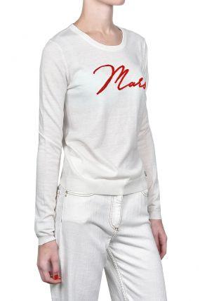Белый пуловер с красным узором