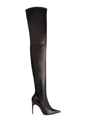 Черные сапоги–чулки с острым носом
