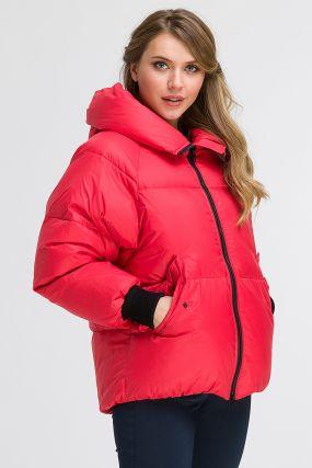 Куртка на пуху для зимы с капюшоном