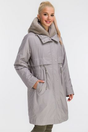 Пальто на меху средней длины с цельнокроеным рукавом