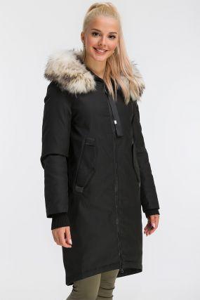 Демисезонное пальто средней длины с капюшоном