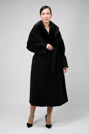 Пальто с меховым воротником на большой размер