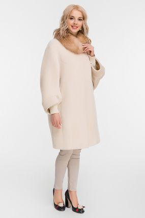 Утепленное пальто из альпака с мехом лисы