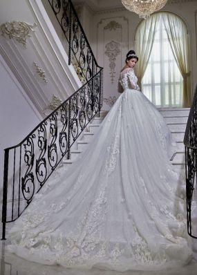 Свадебное платье со шлейфом LB016