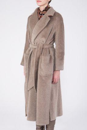Бежевое пальто-халат