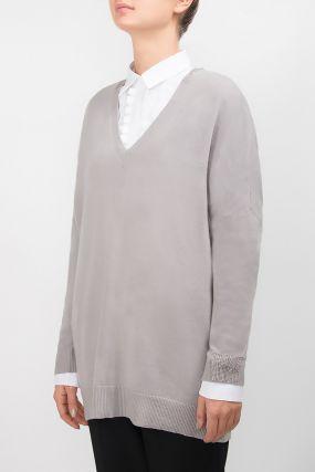 Серый пуловер с кристальной отделкой