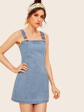 Джинсовое платье на бретелях с молнией сзади