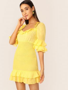 Неоновое желтое платье с многослойными оборками