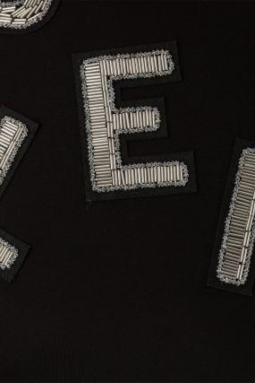 Черное платье мини с логотипом