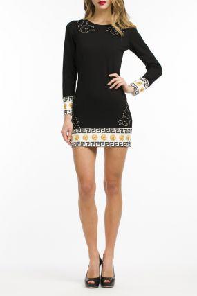 Черное платье с отделкой