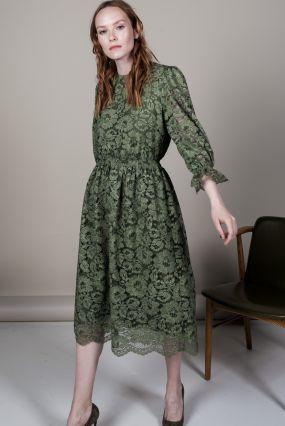 Платье Черешня из кружева с эффектом делаве изумрудного цвета (42-46)