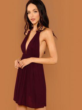 Холтер платье с глубоким вырезом с открытой спиной